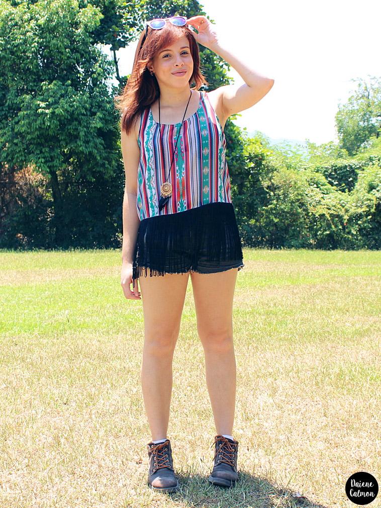 Look da Dai: Blusa com franjas, short jeans e botinha