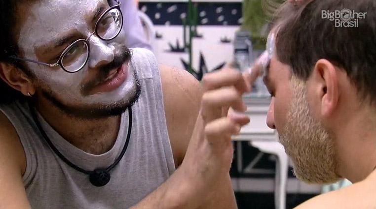 Conheça a máscara facial da Avon que está roubando a cena no Big Brother Brasil 21